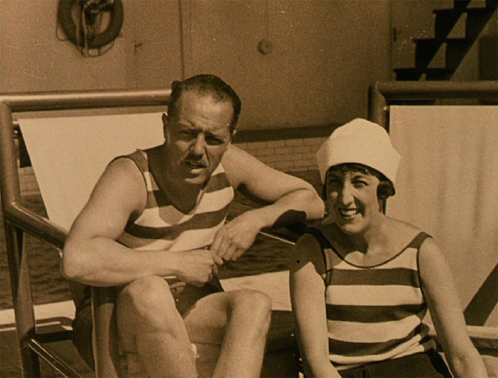 01 - Charles et Marie-Laure de Noailles, Hyeres, 1928 Extrait du film de Jacques Manuel, Biceps et Bijoux CNC, archives du film