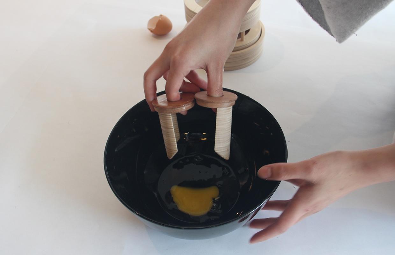 isabella-sutisna-egg-tool-objet-blog-espritdesign-33