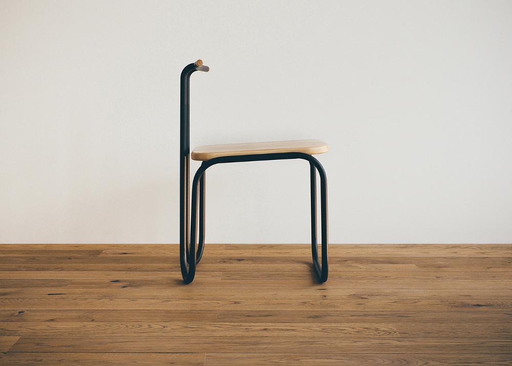 L01 chaise courbée par Alexander Vezlomtsev