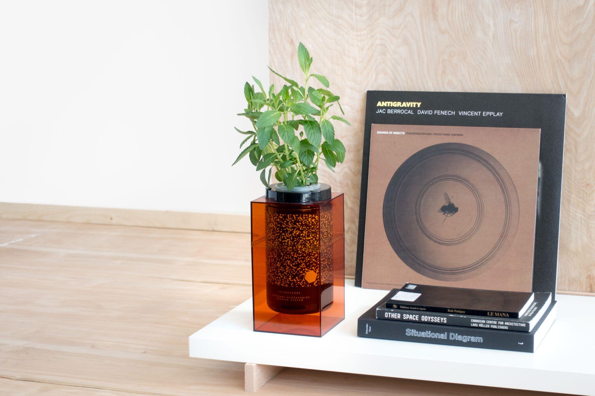 Spacepot, un pot hydroponique digne de la NASA dans votre cuisine, par FutureFarms