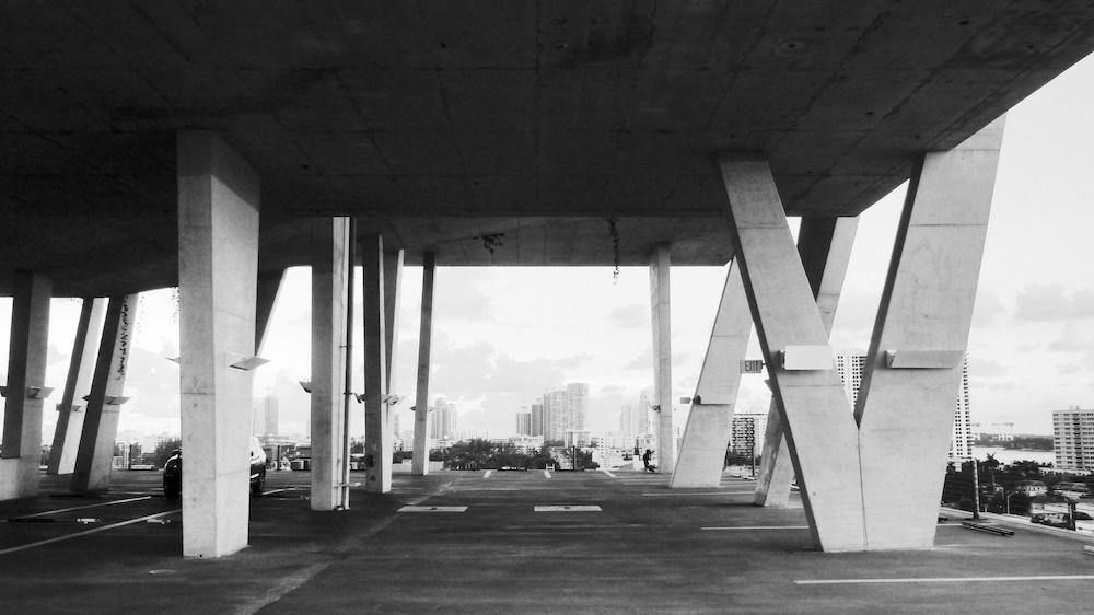 MIAMI : la cohabitation des mouvements architecturaux, à travers Herzog & de Meuron, les arts décoratifs et Philippe Starck