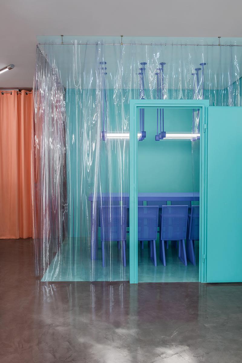 La seconde boutique de Doctor Manzana conçue par le studio Masquespacio