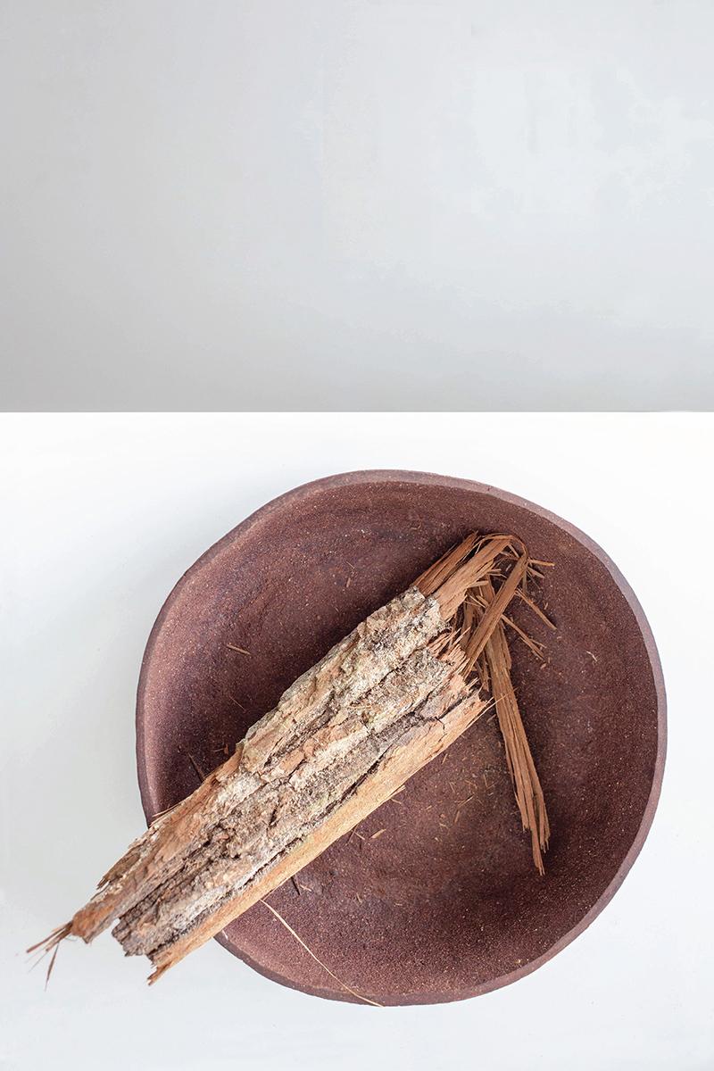 Giria, la vaisselle composée de bois recyclé par Evelina Kudabaité