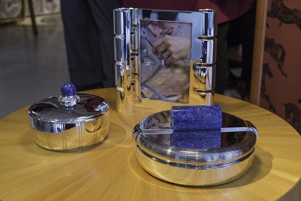 Cadre photo Ruban et bonbonnières en argent massif et lapis lazuli - dessins originaux Jean Puiforcat