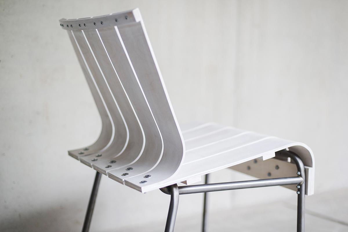 Projet Etudiant : Experimental Chair, la chaise White Stripes d'Attila Miletics