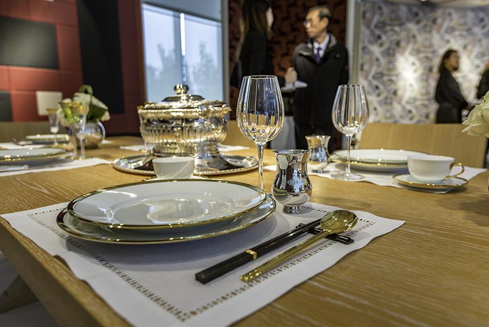 timbale à champagne en argent massif Porcelaine Cercle d'Orfèvre Baguettes de la collection Croisette