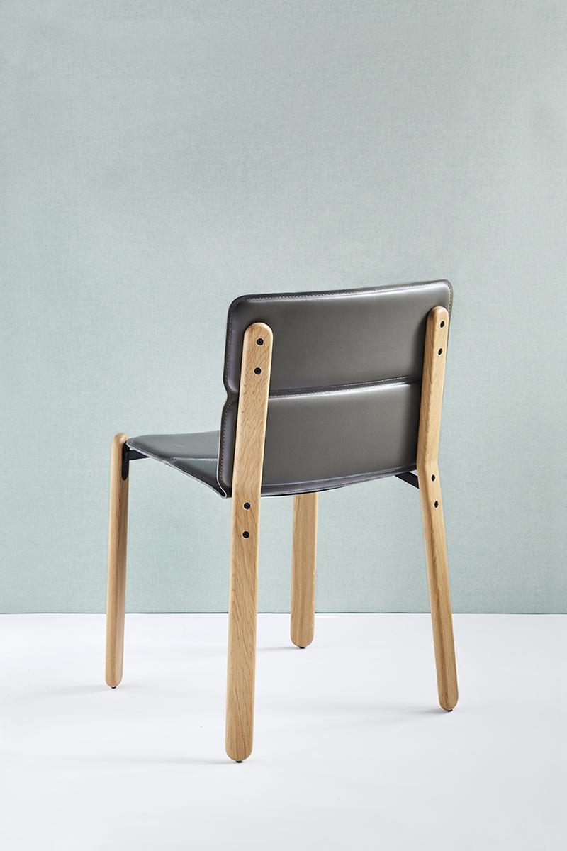 Paddock, la chaise bi-matière du studio Désormeaux/Carette