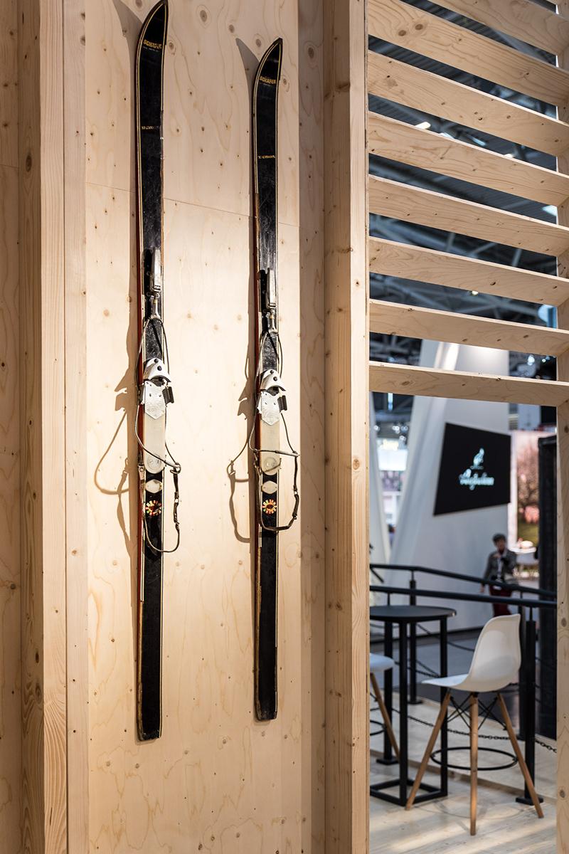 La marque 4F présente la collection olympique avec un stand signé mode:lina