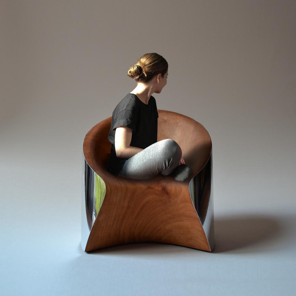 Crater fauteuil brut par Ákos Huber
