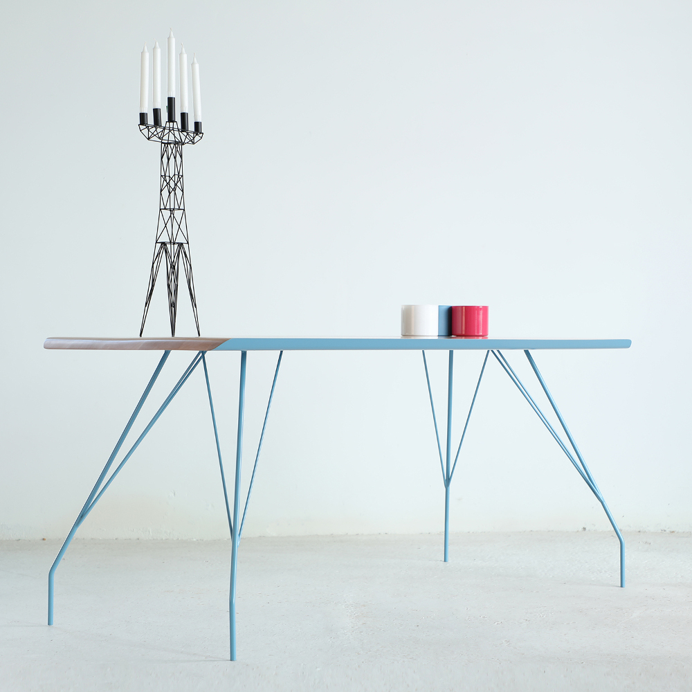 Table arachnide S4 par Senchin Sergey