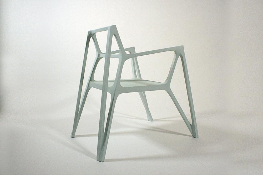 "Ango chaise ""obtusangle"" par Benjamin Migliore et Albert Puig"