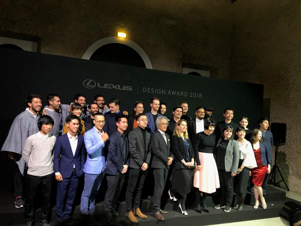 Photo de groupe de tous les lauréats et mentor s du prestigieux concours du Lexus Design Award 2018