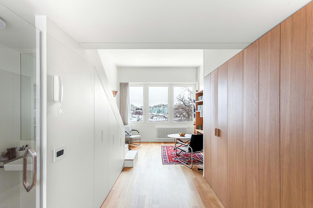 L'appartement multi-fonctionnel compact de 33m2 par le studio Bazi