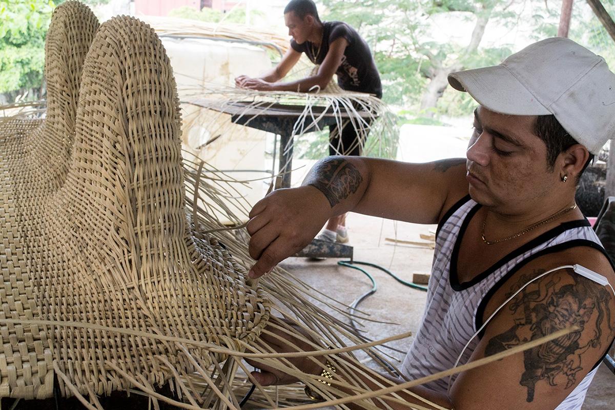 Guajiro, la collection de mobilier artisanal signée Carlos Perez Zamora et Carylin de la Vega