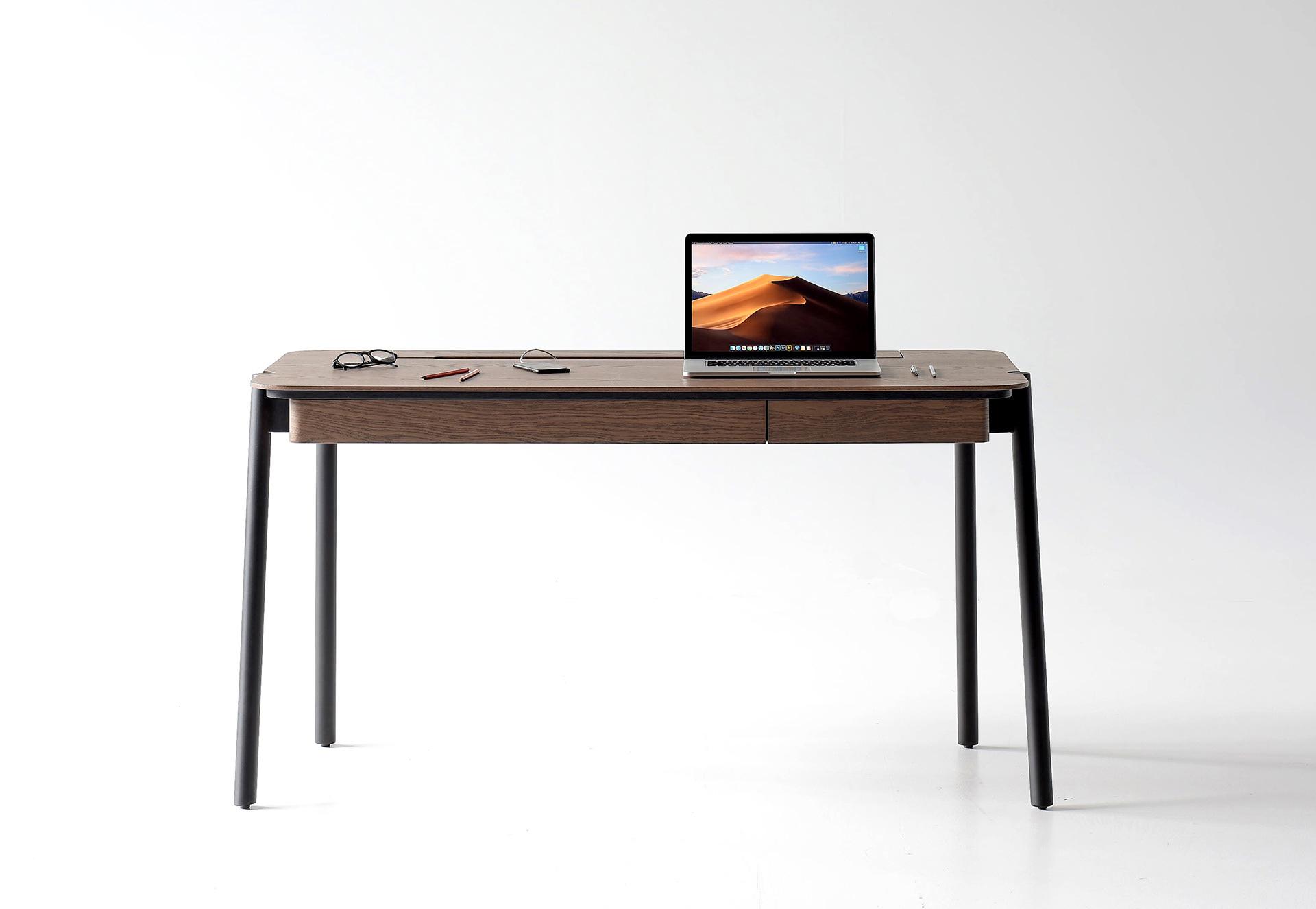 Friendly desk par Andrey Mohila