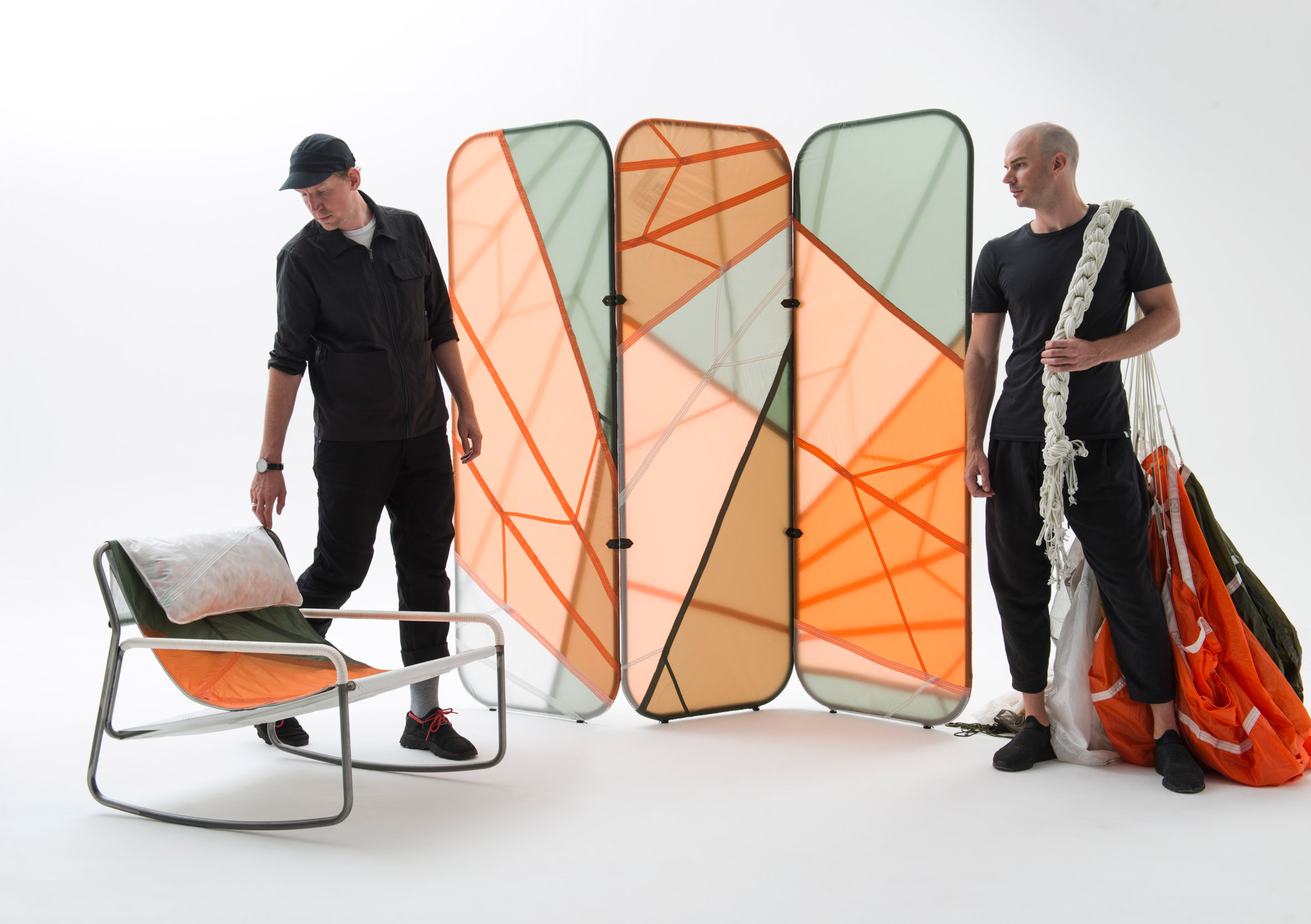 Mobilier Parachute imaginé par Layer Design pour Raeburn
