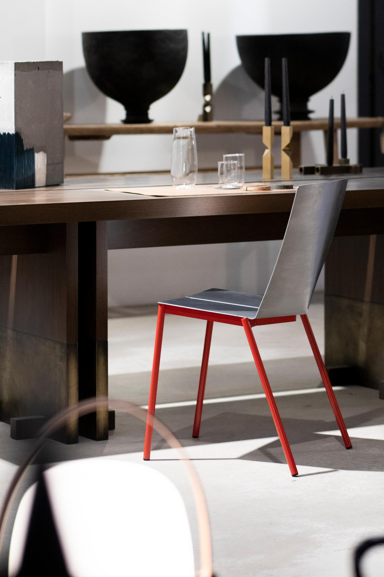 Folded Chair 01 la chaise pliée par Erno Dierckx