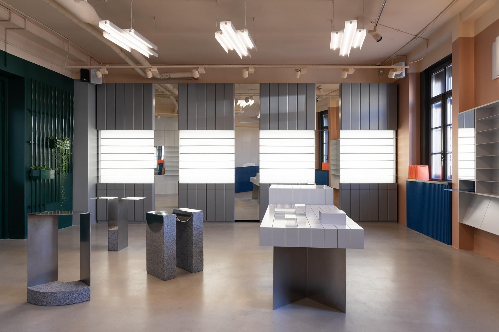 Retail : P.Y.E Store New Holland par le studio Facultative Works